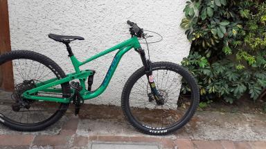 Bicicleta Mountain Bike Enduro Kona Process 134 2020 Incluye 2 Rodilleras Fox Xl Y 1 Par De Guantes Fox Xl