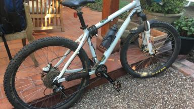 Bicicleta Mountain Bike  Cannondale Caffeine F3